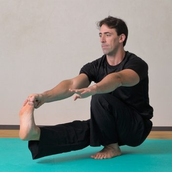 Pistol Squat Tutorial: A Smarter Way to Learn the One-Legged Squat (and Any Other Skill)